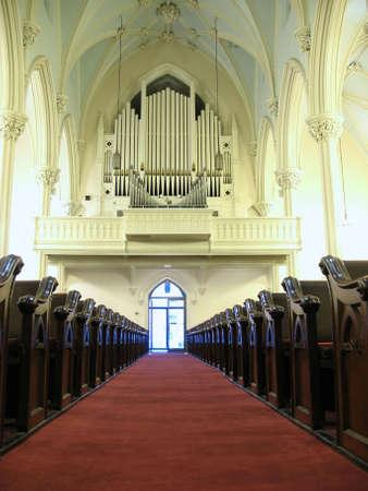 hymnal: Chiesa di organi e banchi. Archivio Fotografico