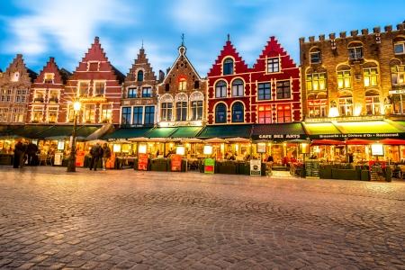 Markt square in the center of Bruges, Belgium 에디토리얼