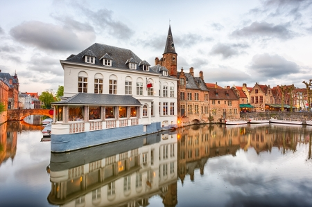 tonight: Dijver canal in the evening in Bruges, Belgium Stock Photo