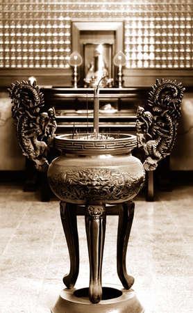 incienso: Se trata de un incensario de estilo chino. Foto de archivo