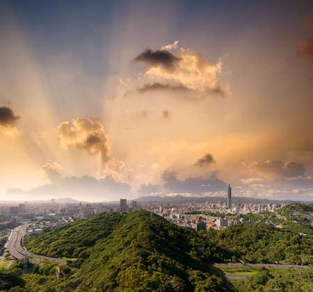 taipei: Beautiful cityscape of sunset with Taipei skyline.