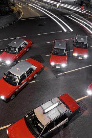 taxi: Taxi en noche de Hong Kong, detener y cantaban.