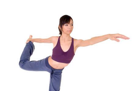 excise: Giovane donna facendo yoga esperto delle accise su bianco.