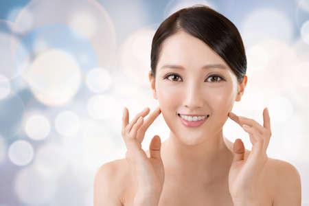 Aziatische schoonheid gezicht close-up portret met schoon en fris elegante dame.