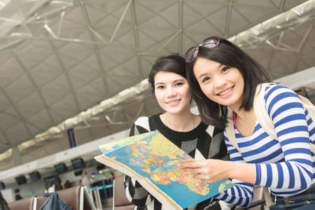 Asian woman with her friend traveling abroad Stock fotó - 56946834