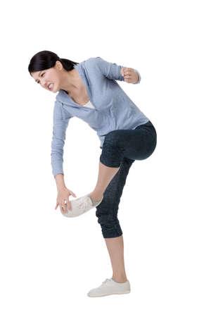 pied fille: jeune femme asiatique avec la douleur orteil
