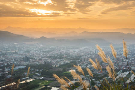 sunset scenery with orange clouds and sky at the Puli town, Nantou, Taiwan Standard-Bild