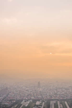 sunset cityscape of Puli town under dramatic clouds at Nantou, Taiwan Stockfoto