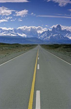 chalten: Road to El Chalten in Patagonia
