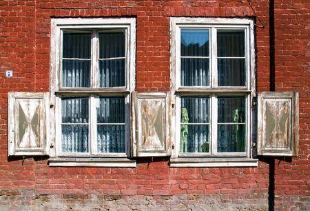 outworn: Old outworn windows