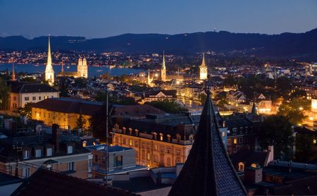 Nachtansicht über Zürich