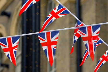 schengen: Many small streamers with the british colors