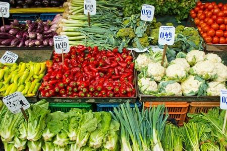 vitamines: Salad and vegetables on a market