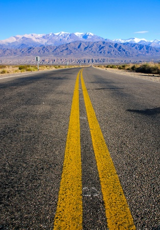 road marking: Road in the province of Salta