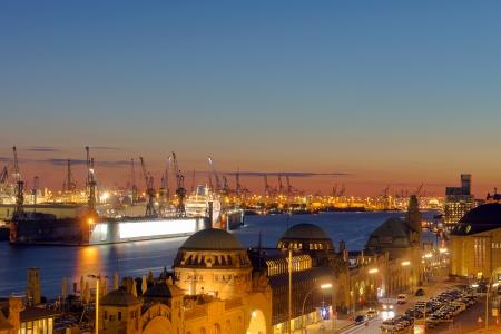 Beautiful sunset in Hamburg Imagens - 23819351