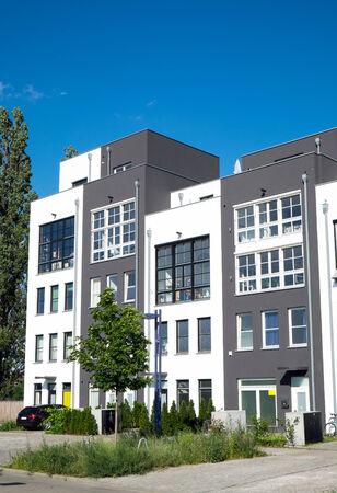 serial: Serial housing in Berlin Editorial