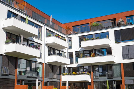 Apartment house with big balconies Imagens - 29991846