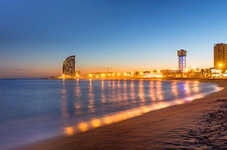 barcelona: Beach in Barcelona during sunset