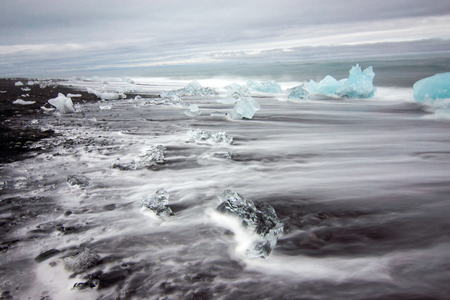 ice blocks: Ice blocks at a beach in southern Iceland Lakes