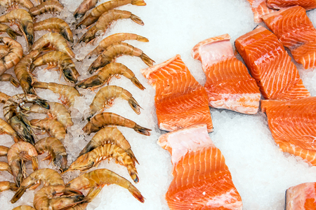salmon fishery: Salmon and shrimps at a market in Istanbul, Turkey Stock Photo