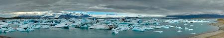 glaciar: Panorama of the Jokulsarlon lagoon in Iceland glaciar