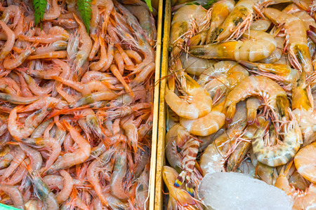 boqueria: Different kinds of shrimps for sale at the Boqueria market in Barcelona