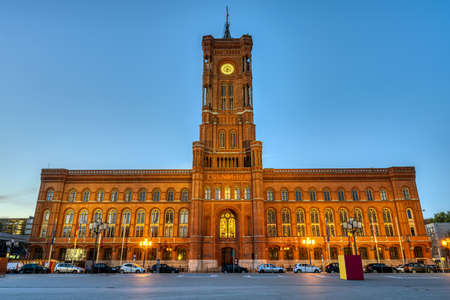 The famous Rotes Rathaus, the townhall of Berlin, at dawn Imagens