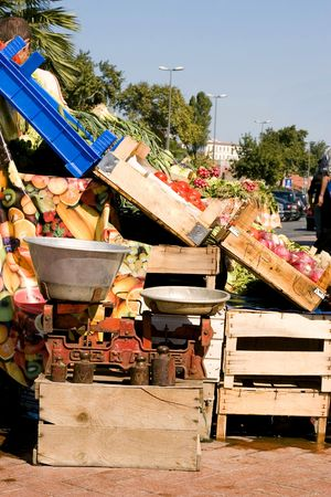 side view of a scale in a fruit stand market
