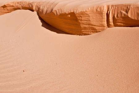 ridges: Creste di sabbia arancione nel deserto sud-ovest