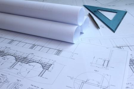 청사진, 눈금자 및 연필 기계 엔지니어의 책상에. 스톡 콘텐츠 - 9485456