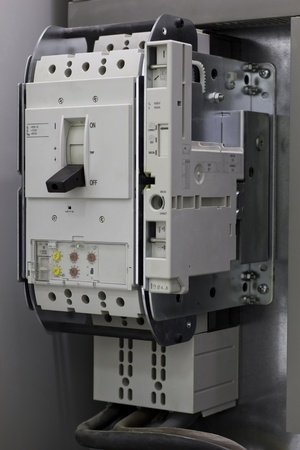 amperage: Industrial circuit breaker used to protect electrical equipment against overcurrent and short-circuits.