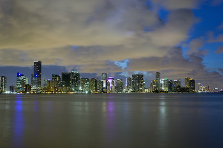 View of Miami (Florida, USA) downtown at night. Фото со стока - 33565770