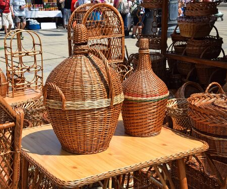 jugs: Baskets and jugs in the fair