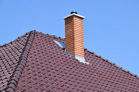 スモーク ・ スタックと家の屋根