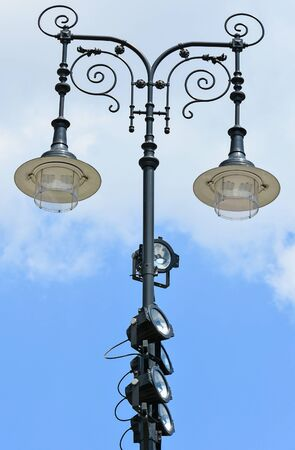 reflectors: Ornate street lights with reflectors
