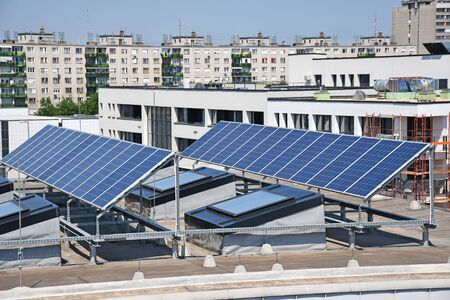 Solar panels on the top of a building Banque d'images