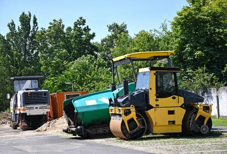 Steam roller at the road construction