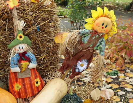 Halloween puppets on a staw outdoor Imagens