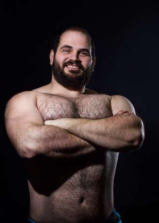 homme nu: bel homme torse nu musculaire fond noir