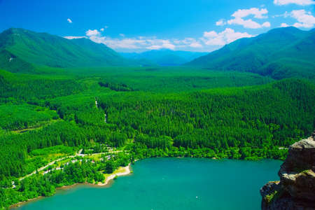 View of Rattlesnake Lake From Rattlesnake Ledge Lookout Trail Archivio Fotografico