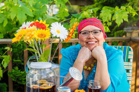 radiation therapy: Beautiful hispanic female with bright smile dines outdoors