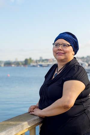 El estilo de vida de la mujer después de la cirugía del cáncer de mama con éxito Foto de archivo - 46545524