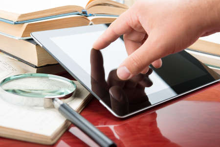 e book reader: Books and tablet pc