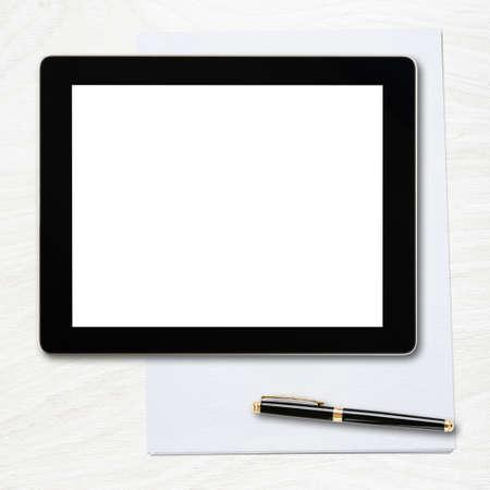 테이블 위에 빈 화면과 펜 태블릿 PC 스톡 콘텐츠