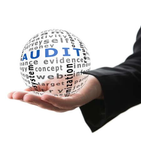 auditoría: Bola transparente con la auditoría inscripción en una mano