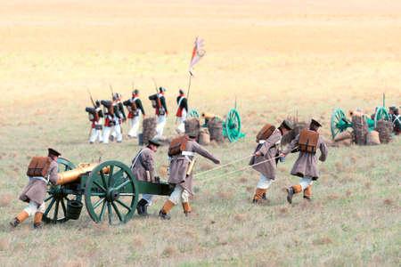 batallón: Recreación histórica de la batalla de Alma en la guerra de Crimea 1854. 28 de septiembre 2013 en Crimea, Ucrania.