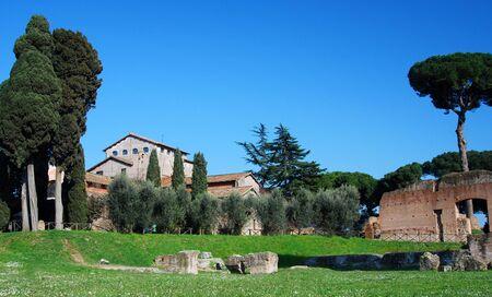 spqr: Palatin ruinas en la colina de Palatin, en la antigua ciudad de Roma