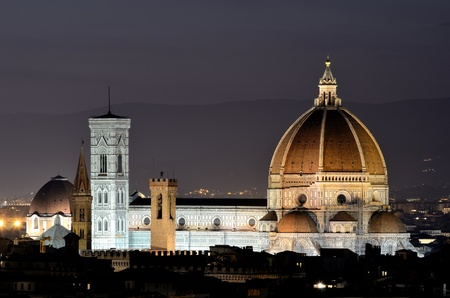 Florence dome and Campanile Tower, night view, Tuscany 免版税图像
