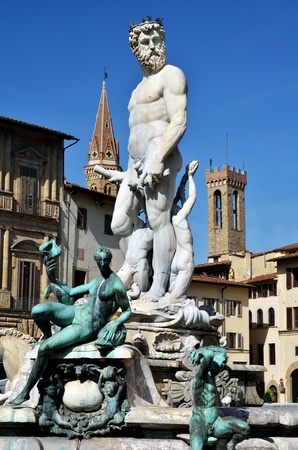 neptun: Statue of Neptun in center of Florence, Italy