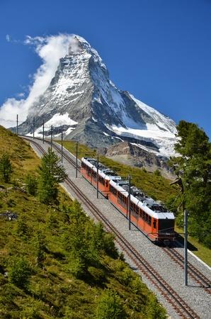 Matterhorn with alpine train, Switzerland 免版税图像 - 10869171